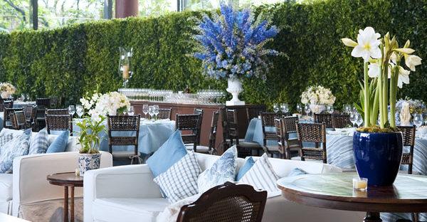 decoracao de casamento azul marinho amarelo e branco:Azul: A cor queridinha das noivas em 2012
