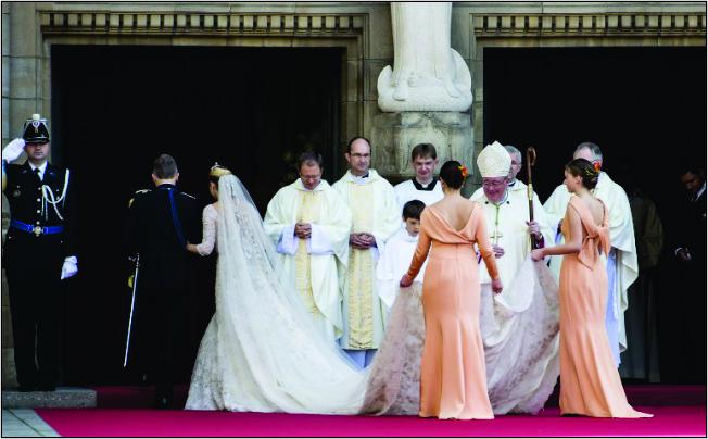 O vestido de Elie Saab usado pela Condessa da Bélgica Stephanie de Lannoy