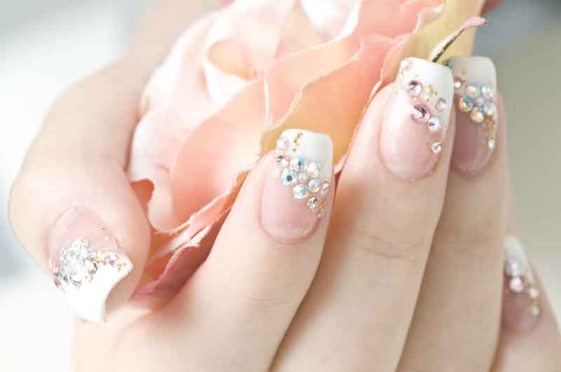 7 sugestões de unhas para noivas