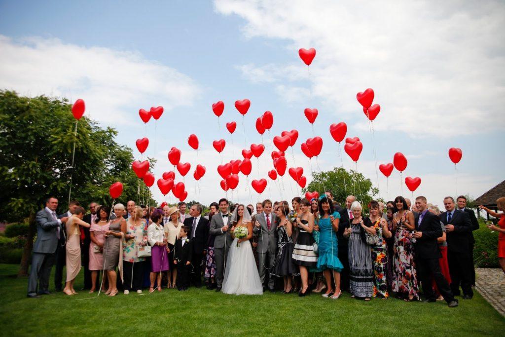 O Encanto dos Balões na Decoração de Casamento