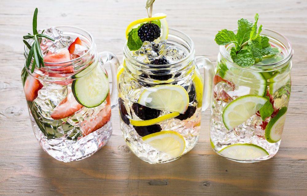 Água aromatizada para o menu do casamento